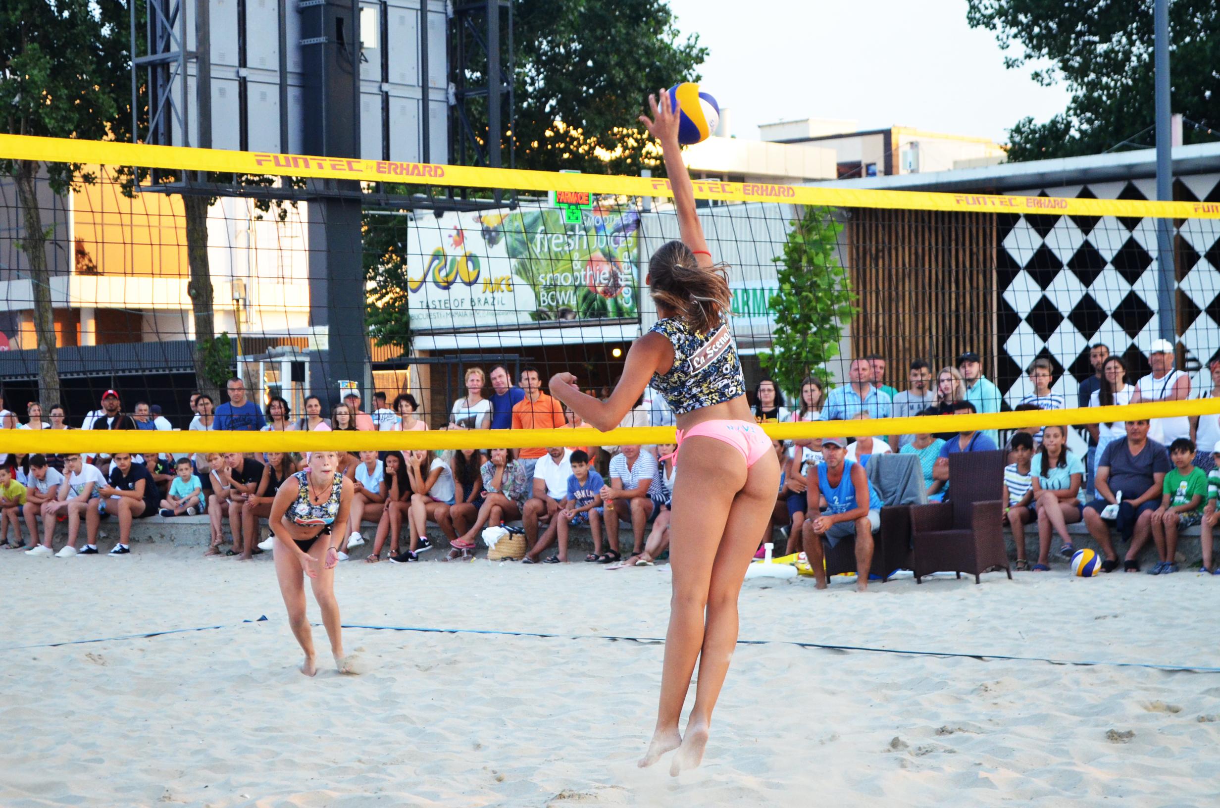 beachvolleyball spectatori plaja